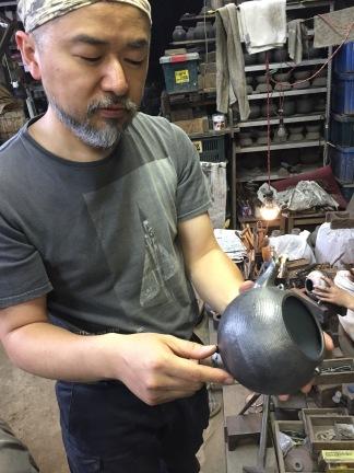 The creation of a genuine nambu tekki kettle.